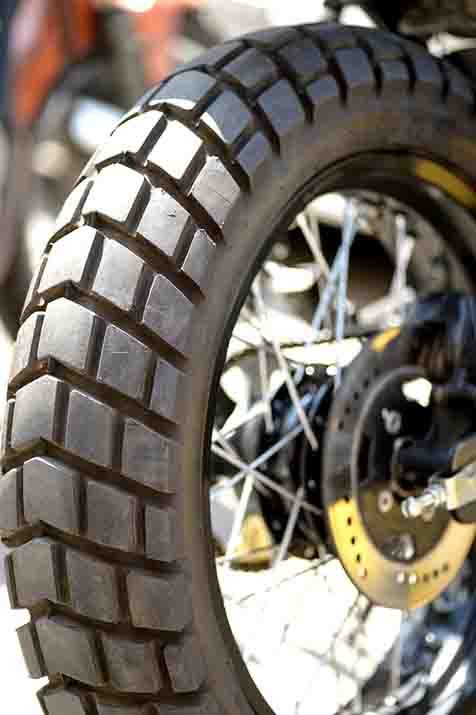 Here we have the most commonly asked queries regarding the best dirt bike tires